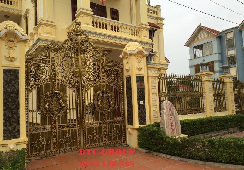 Cửa cổng nhôm đúc, cửa cổng biệt thự 5