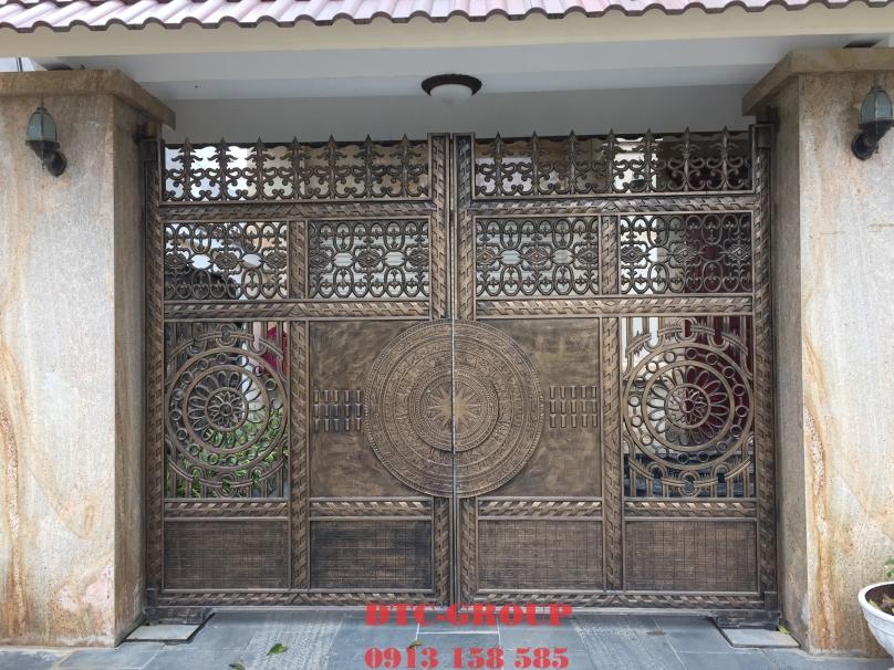 Cửa cổng nhôm đúc, cửa cổng biệt thự 11