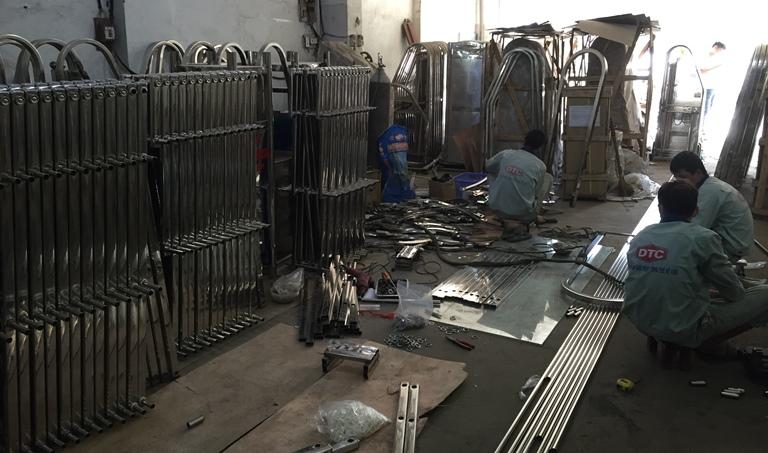 Phân xưởng lắp ráp cổng xếp tự động DTC