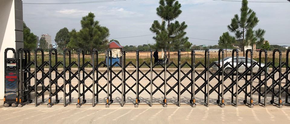 cổng xếp hợp kim nhôm dtc f831 bắc ninh 5