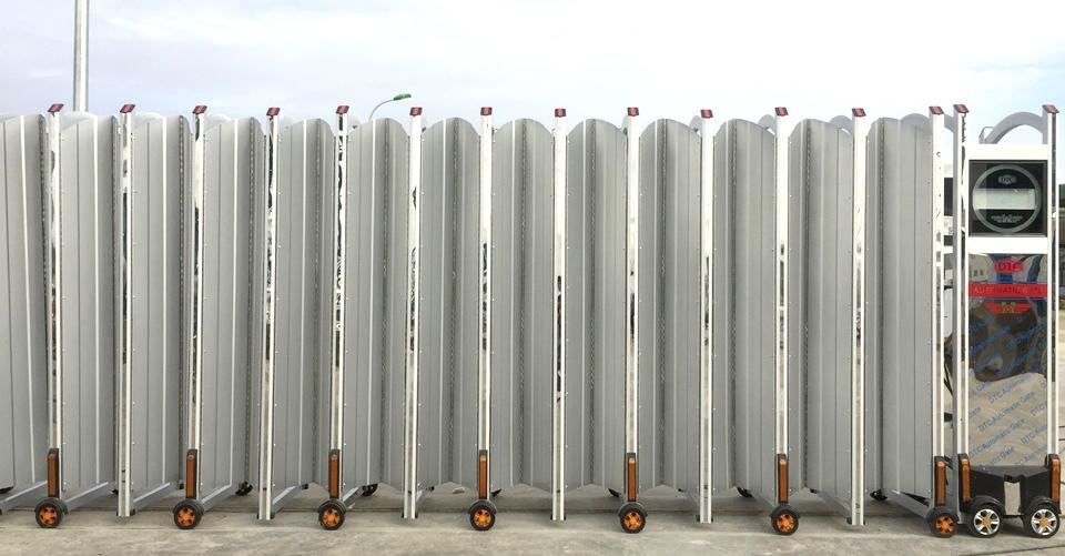 cổng xếp hợp kim nhôm F-835 2