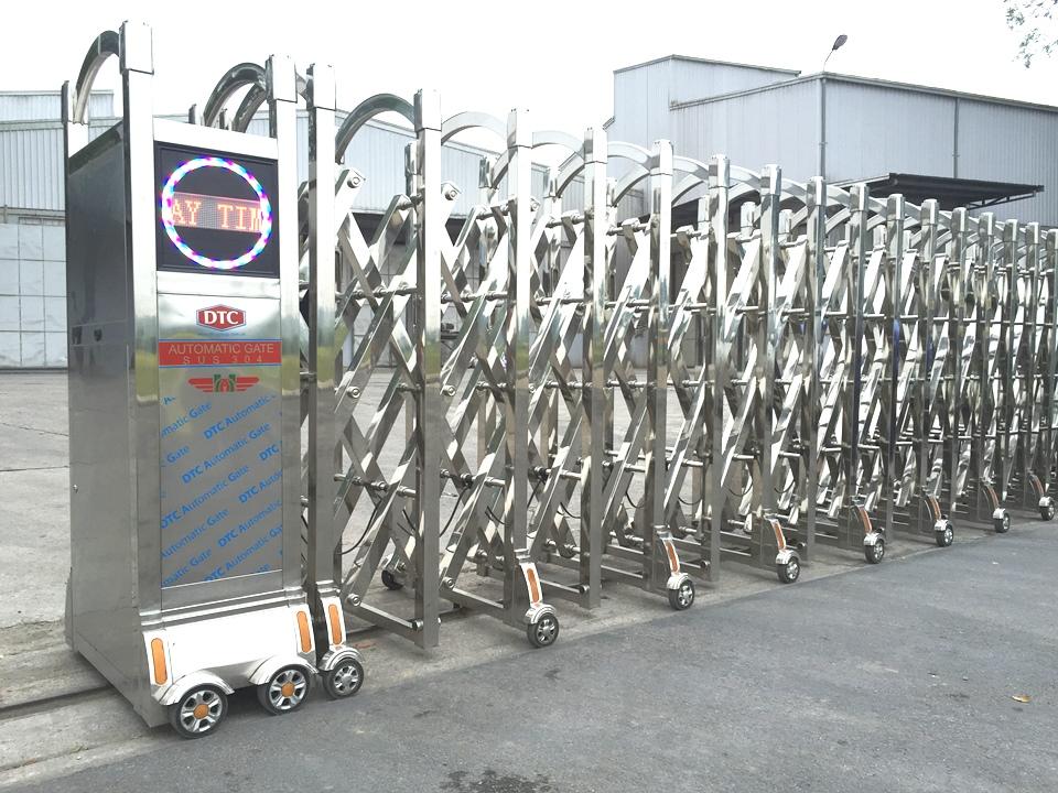 công trình sử dụng mẫu cổng xếp DTC F-801