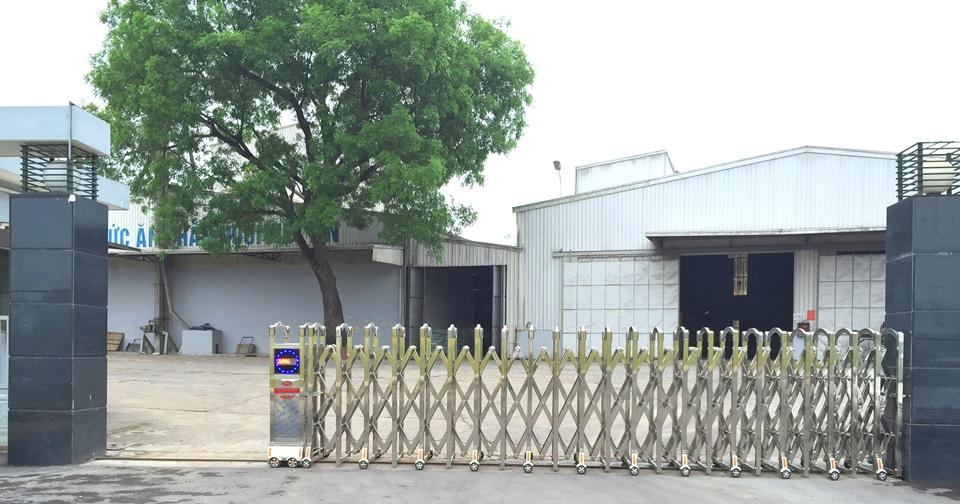 cổng xếp inox 304 việt tín 4