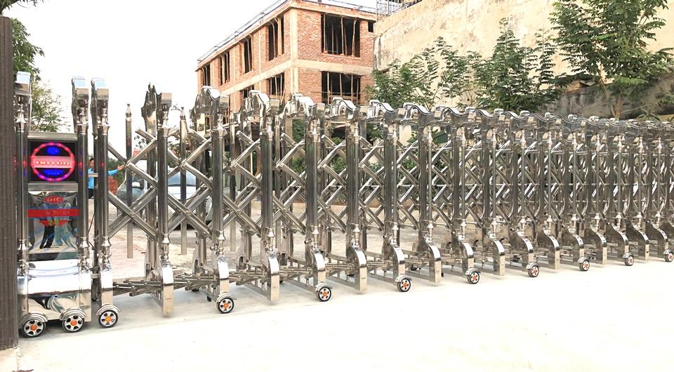 cổng xếp inox 304 tại thái bình 3